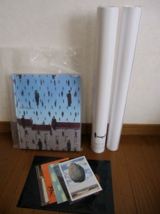 マグリット展の図録・ポスター・ポストカードです。