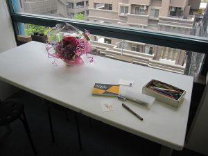 WakamatsuMei個展『小人の夢』会場風景(制作の様子を実演)